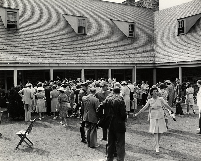 Crowd pictured at 1941 FDR Library Dedication